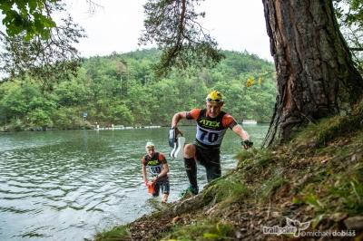 Fotoreportáž ze závodu série Czech Swimrun Tour 2019. Závěrečný závod se konal na Slapech - Nová Živohošť.