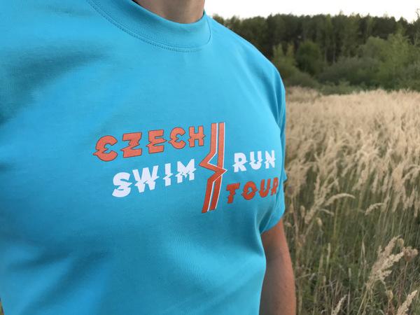 nové tričko Czech Swimrun Tour pro dobrovolníky